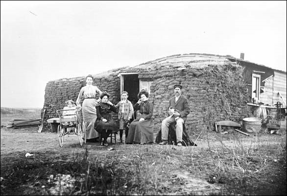 ~Casa țăranilor din România în 1930~